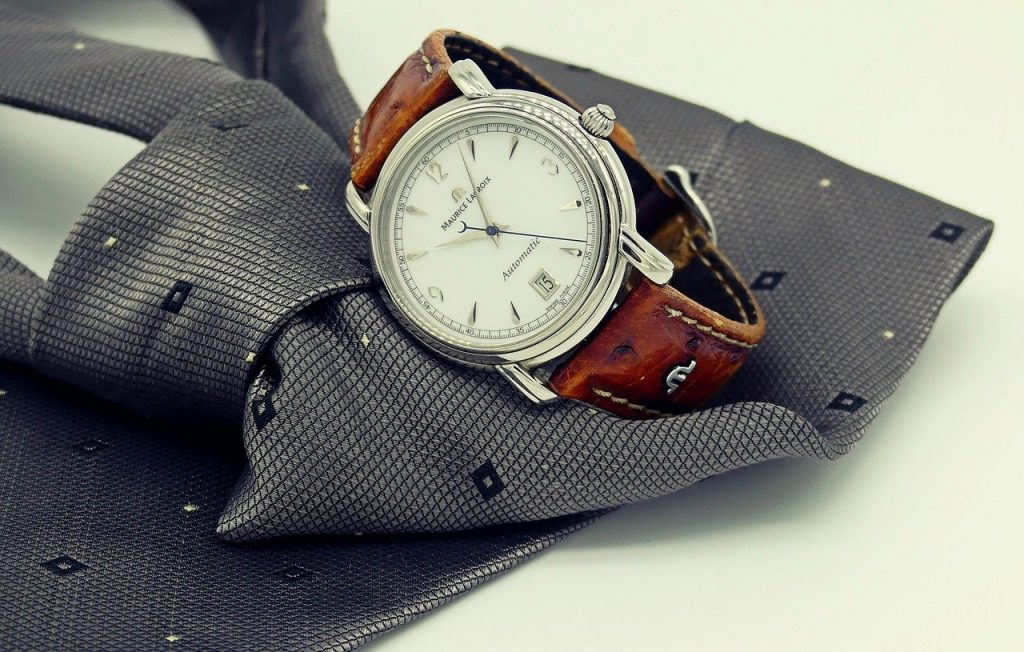 simple analog dress watch with self-winding movement