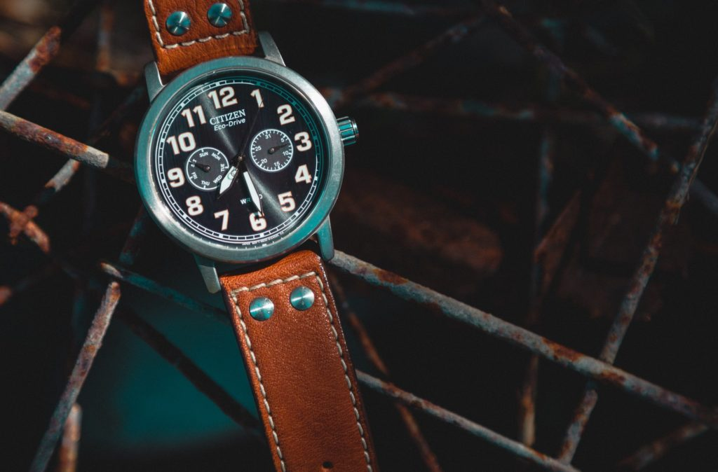 chronograph watch with proportioned leather straps