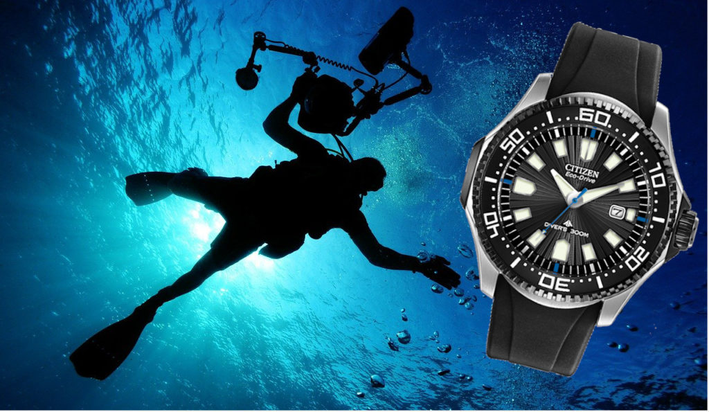 Dive watch with rotating bezel