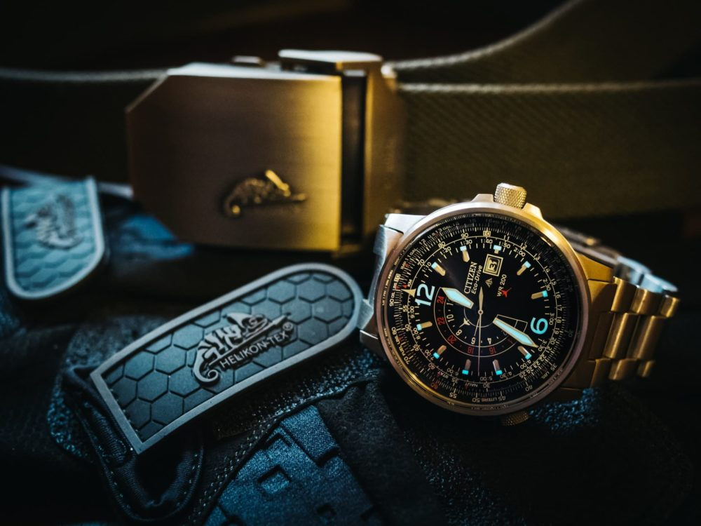 Citizen aviator timepiece with quartz-driven movement