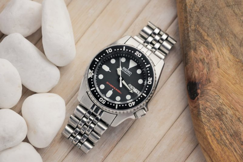 Dive watch with ISO certification
