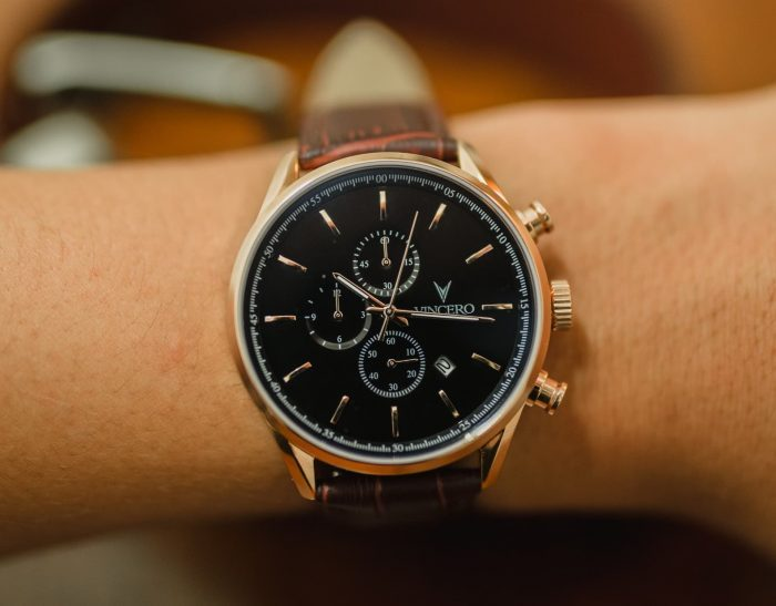 Refined Vincero watch with a leather strap
